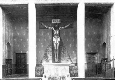Chornische mit der Wandmalerei des Gekreuzigten um 1910