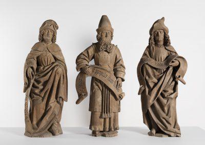Figuren vom Priestersitz