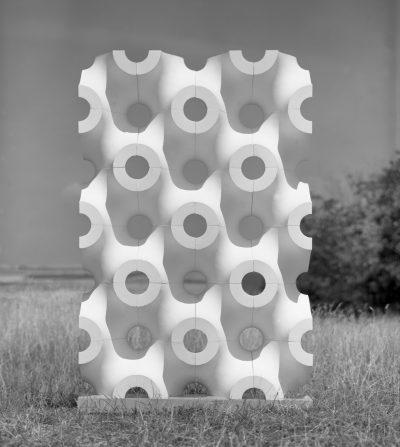 Pressefoto_Walter Zeischegg_Wand aus gitterorientierten Elementen_1960er Jahre_HfG-Archiv_Museum Ulm