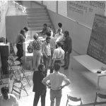 Studentenversammlung in der Ulmer Hochschule für Gestaltung, 1968_Die Studenten forderten mehr Mitbestimmung_Foto Bernhard Bürdek
