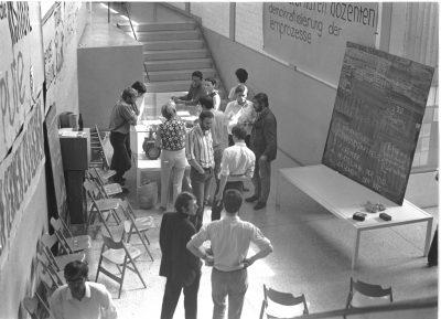 Pressefoto (4)_Studentenversammlung in der Ulmer Hochschule für Gestaltung, 1968_Die Studenten forderten mehr Mitbestimmung_Foto Bernhard Bürdek