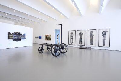 Pressefoto Ausstellungsansicht (5) Warum Kunst, kunsthalle weishaupt, Foto Henry M. Linder