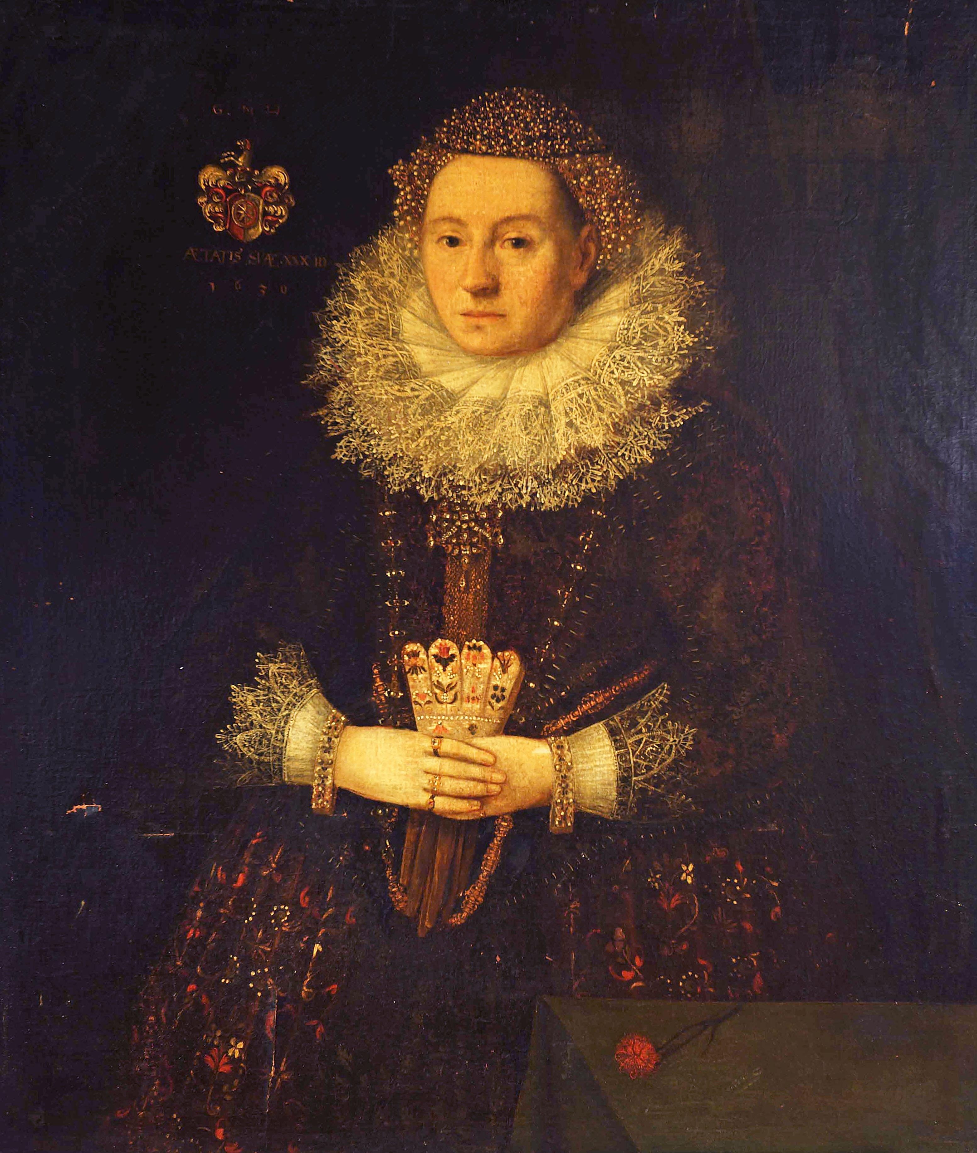 Porträt einer Frau in langem Kleid.