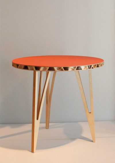Wassilij Grod, Conbou (Tisch, Bambus, Sperrholz, Linoleum), 2012, Foto Canan Yilmaz