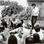 Joseph Beuys auf der Sommertagung 1973 im Garten des Humboldt-Hauses Achberg, Seminar Kunst im Wirtschaftsbereich, Achberger Beuys-Archiv, Fotos Rainer Rappmann, VG Bild-Kunst, Bonn 2020