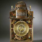 Christof Pleig_Astronomische Tischuhr (Rückseite), Ulm um 1625_Museum Ulm