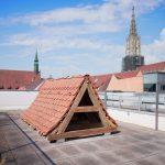 Ausstellungsansicht INTER- FUGE, Oliver Arendt, Das Ulmer Dach, 2021, Intalation, Museum Ulm, Foto Oleg Kauz