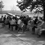 Seminar mit E.F. Podach auf der HfG-Terrasse, 1956, Foto Ernst Scheidegger, Blick in die Mensa der HfG, 1956, Foto Ernst Scheidegger, © Ernst-Scheidegger-Archiv